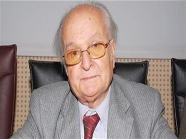 نقيب الأطباء السابق يطالب بحملة قومية لمكافحة التدخين