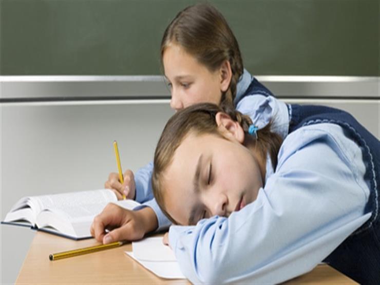 9 أسباب تجعل تلميذك يشعر بالنعاس في المدرسة.. وإليك الحل