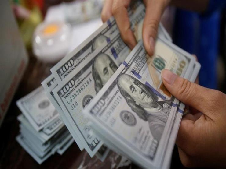 الدولار في المركزي يسجل أكبر تراجع يومي أمام الجنيه في نحو عامين