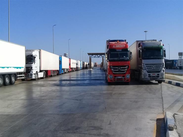 تداول 300 شاحنة في موانئ البحر الأحمر اليوم