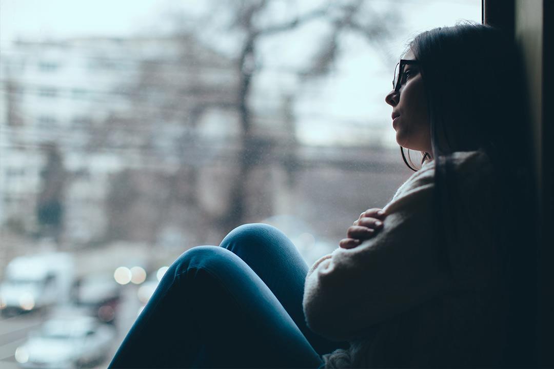 حتى لا تتفاجأ.. 7 علامات تشير لأن شخصا يفكر في الانتحار