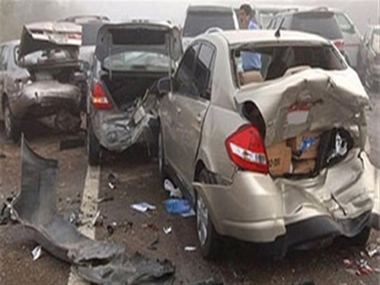 """إصابة 4 مواطنين في تصادم 3 سيارات على """"صحراوي المنيا"""""""