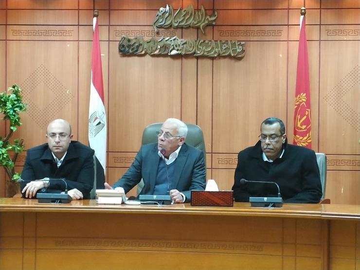"""محافظ بورسعيد: الفاشلون يصنعون من أنفسهم """"أبطالًا من ورق"""" على """"فيسبوك"""""""
