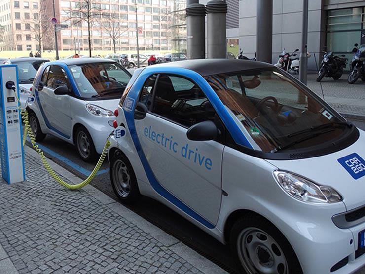 دراسة: بيع أكثر من 2 مليون سيارة كهربائية على مستوى العالم في 2018