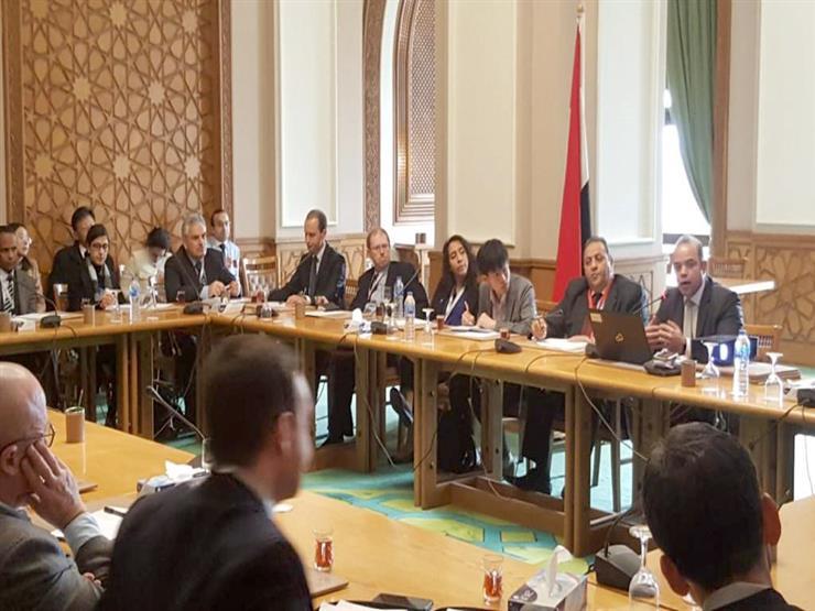 رئيس البورصة يحاضر ممثلي 35 سفارة أجنبية للترويج لسوق المال بالخارج