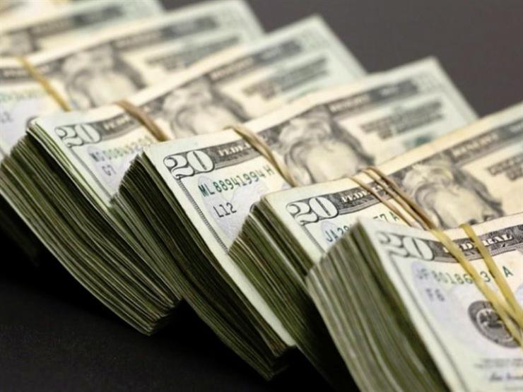 عالميًا.. الدولار يتجه إلى أول ارتفاع أسبوعي في أكثر من شهر