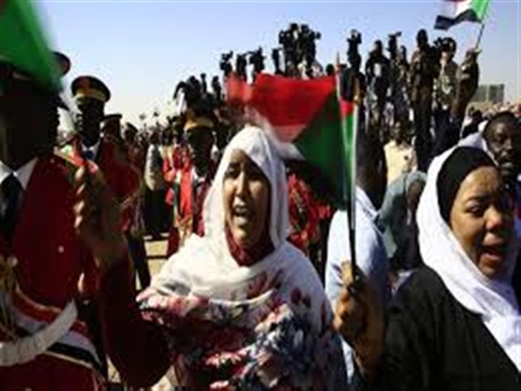 الاقتصاد السوداني المنهار.. هل يمكن إصلاح ما أفسده البشير؟