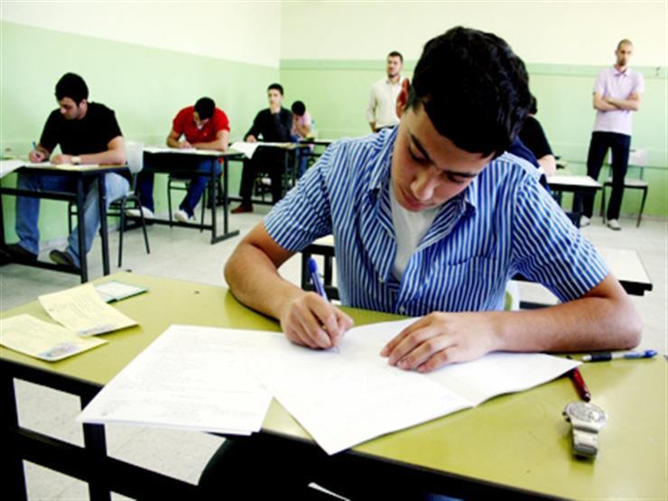 يمتحن بدلا من ابن عمه..  ضبط طالب بهندسة في امتحان الإعدادية بدمياط
