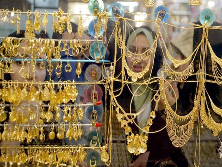 أسعار الذهب تواصل التراجع والجرام يفقد 4 جنيهات في السوق المحلي