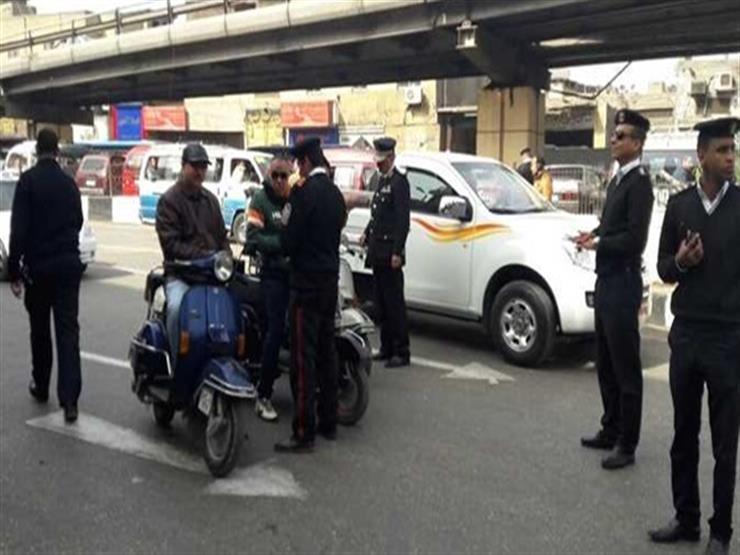 """تحرير 3473 مخالفة مرورية وحجز 12 """"توك توك"""" في الجيزة"""