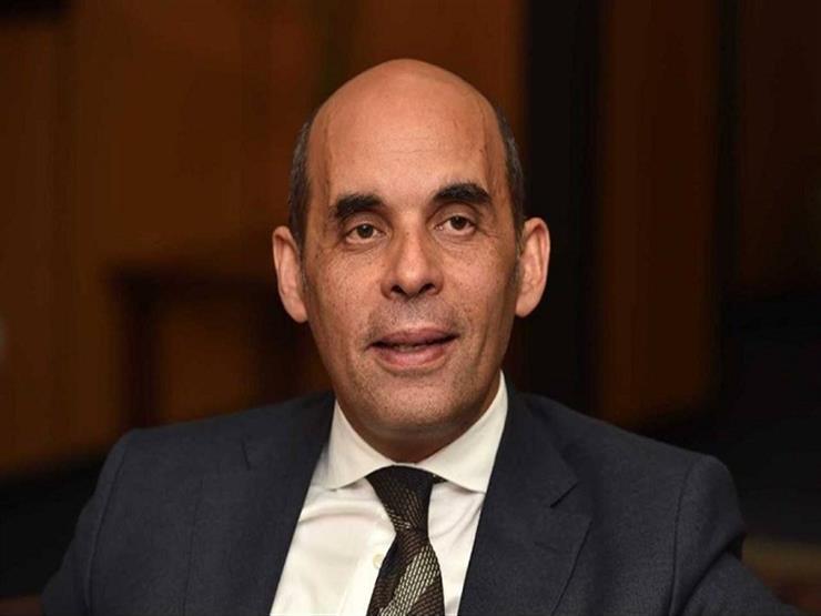 رئيس بنك القاهرة لمصراوي: تدفق استثمارات الأجانب ساهم في انخفاض الدولار