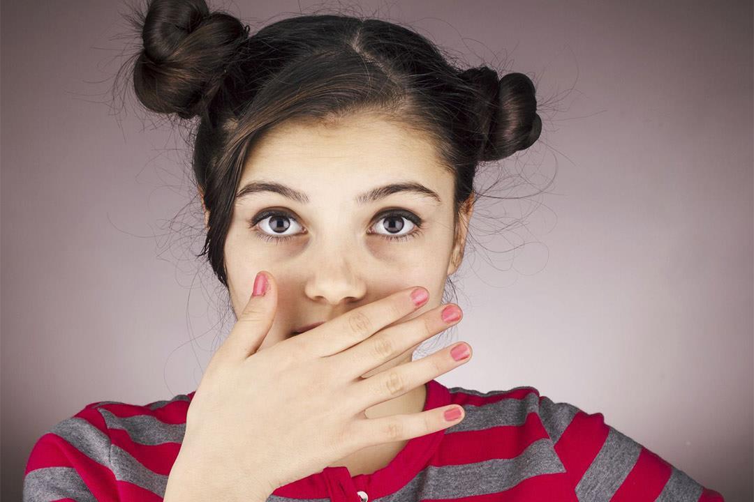 هل نقص الفلورايد يسبب تشوهات الأسنان؟