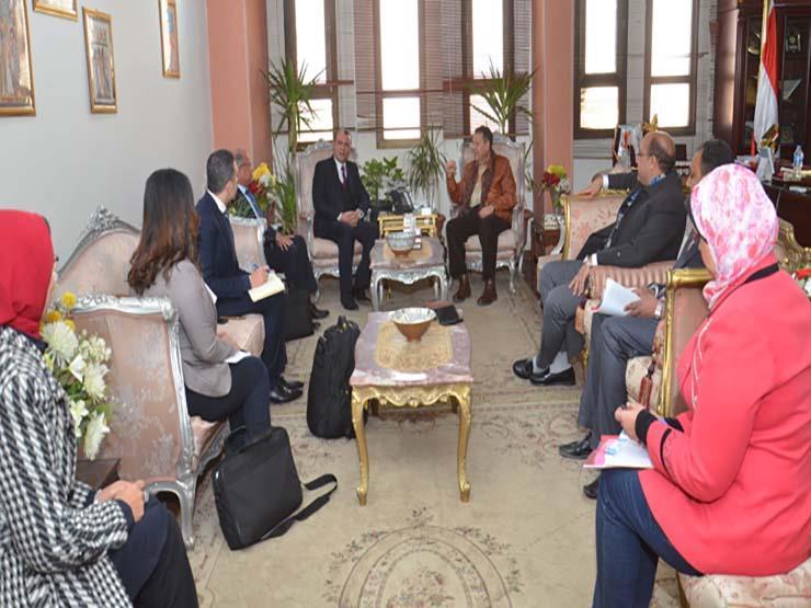 محافظ بني سويف يستقبل وفدا من وزارتي التنمية المحلية والتخطيط