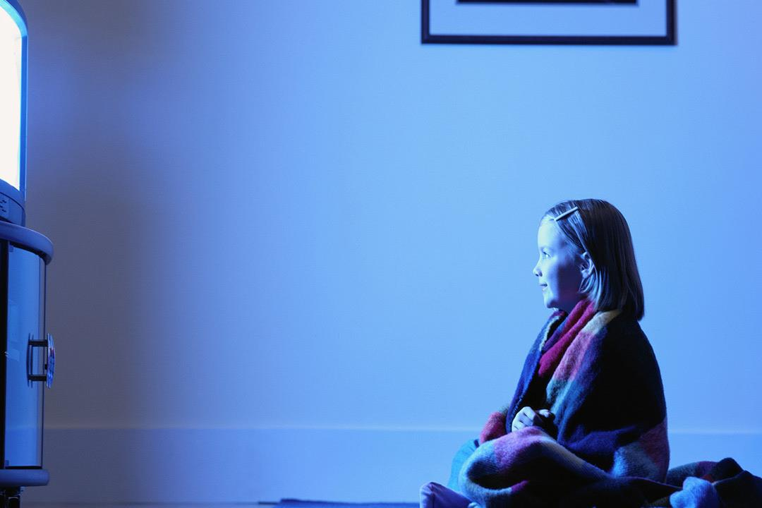 نصائح لتنتزع ابنك من أمام شاشات الأجهزة الإلكترونية بهدوء