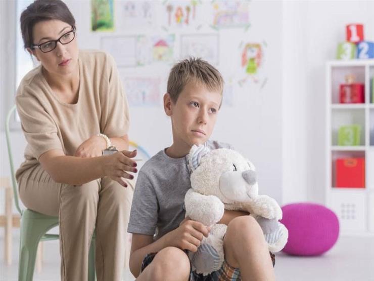 في يوم الصحة النفسية.. كيف تكتشف مرض الطفل النفسي وطرق التعامل معه؟