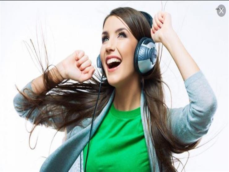 الغناء يساعد على إفراز هرمونات السعادة والحب