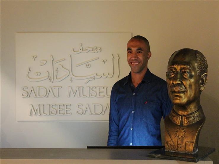 """من أبوتيج إلى متحف الإسكندرية.. رحلة تمثال لـ """"السادات"""" في ذكرى النصر (صور)"""