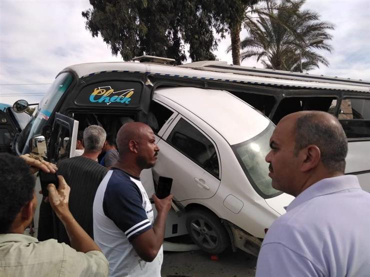 """""""عربية داخل أتوبيس"""".. حادث سير غريب على طريق الإسماعيلية الصحراوي"""