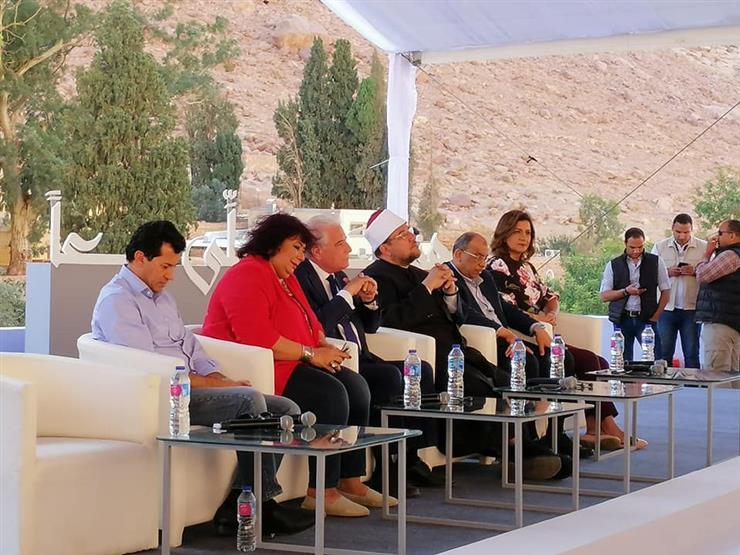 """وزيرة الثقافة ومحافظ جنوب سيناء يشهدان احتفالية """"هنا نصلي معًا"""""""