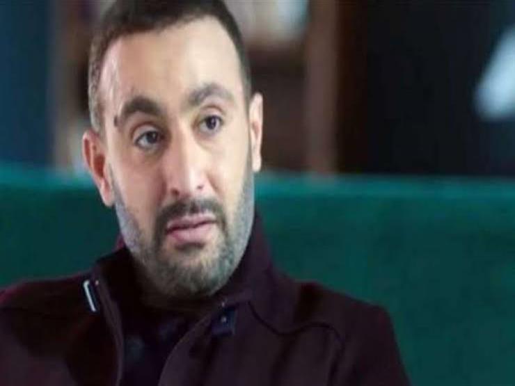 أحمد السقا يعزي أحمد مكي في وفاة والده