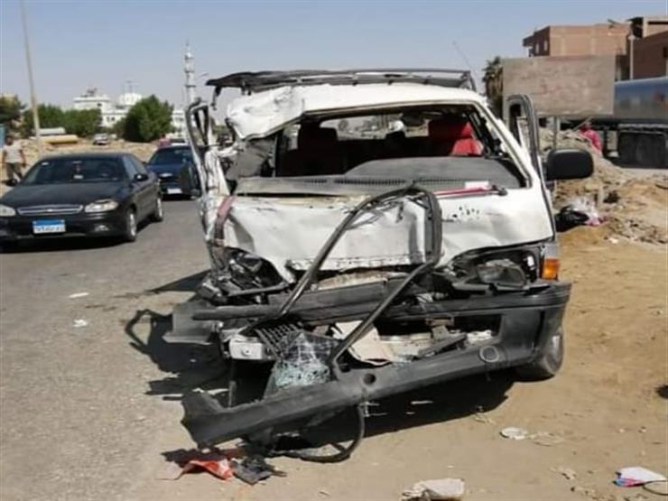 إصابة 11 شخصًا في حادث تصادم بالسويس