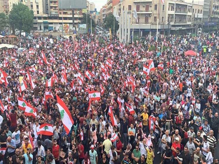 """إليسا تنشر صورة للمتظاهرين في لبنان: """"أفخر باللبنانيين"""""""