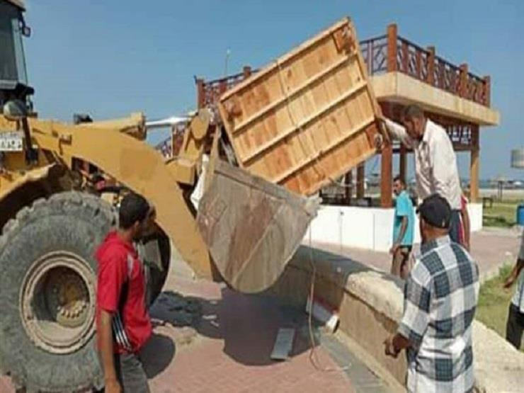 حملة لإزالة المخالفات والتعديات على شاطئ بورسعيد
