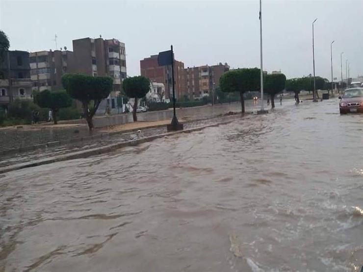 """انتشال جثة طفلة صعقتها الكهرباء بسبب """"السيول"""" في العاشر من رمضان"""