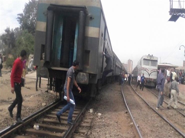 بسبب مخلفات السيل.. انقلاب جرار قطار في السويس وإصابة 7 أشخاص