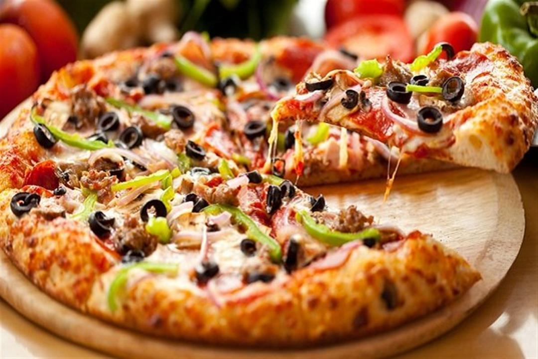 منها البيتزا..  أطعمة تزيد خطر الإصابة بألزهايمر
