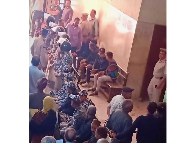"""بالصور.. وصول الشهود جلسة محاكمة """"راجح"""" المتهم بقتل محمود البنا """"ضحية الشهامة"""""""