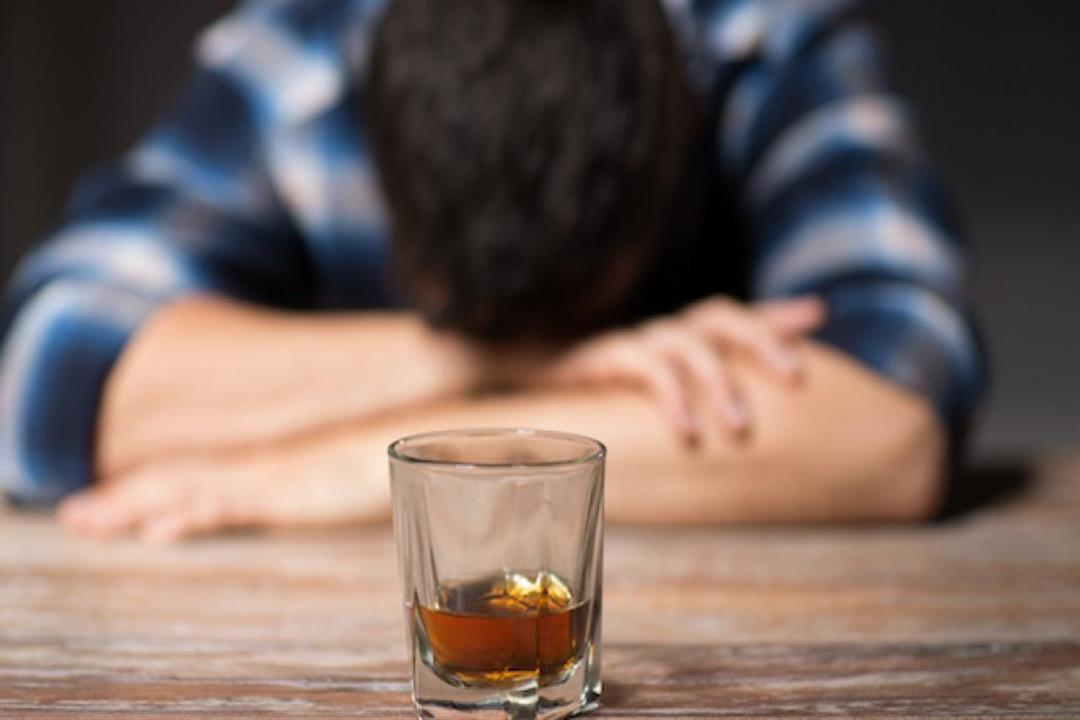 حالة طبية نادرة.. شاب يفرز جسمه الكحول رغم عدم تناوله الخمور