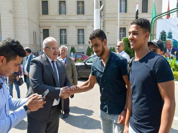 """""""كرة القدم وشحاتة وصلاح"""".. رئيس جامعة القاهرة يوجه رسائل للطلاب"""