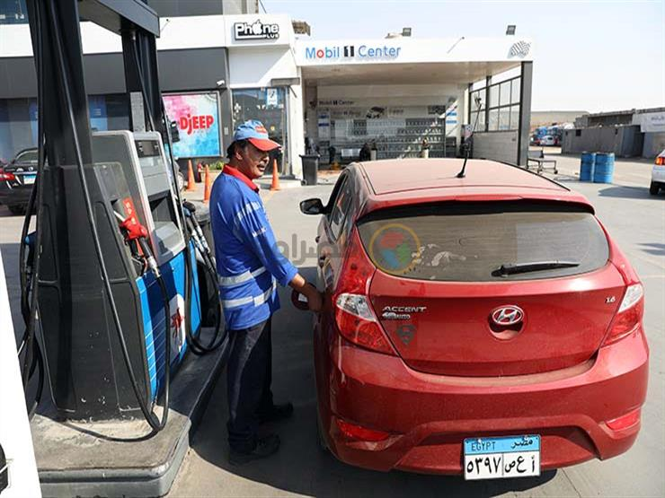 لماذا خفضت الحكومة أسعار البنزين لأول مرة في تاريخ مصر؟