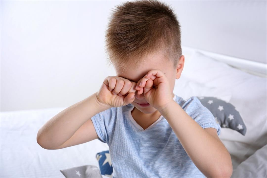 أبرزها الانزعاج من الضوء.. 6 علامات تنذرِك بوجود مشكلة في عين طفلِك (إنفوجراف)