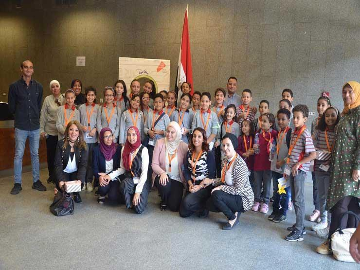 مغامرة سعيدة.. رحلة طلاب في معامل الترميم بالمتحف المصري الكبير (صور)