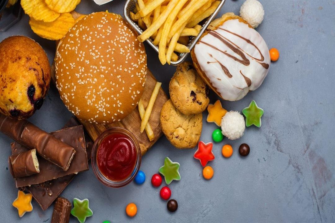 من بينها البرجر.. 8 أطعمة ترفع نسبة الكوليسترول بالدم (صور)