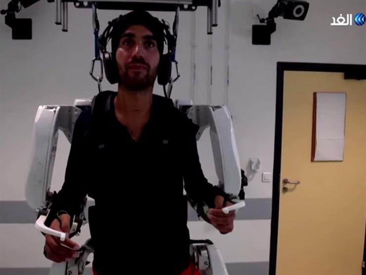 هيكل روبوتي لمعالجة الشلل الرباعي- فيديو