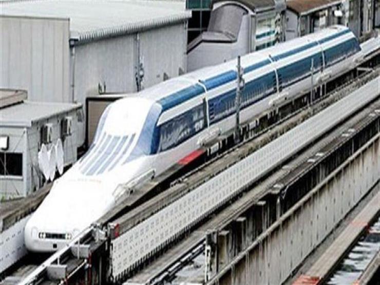 أقدم قطار مونوريل في اليابان في رحلته الأخيرة