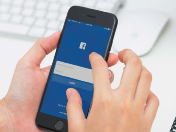 فيسبوك تكشف سبب تشغيل الكاميرا دون علم مستخدمي آيفون