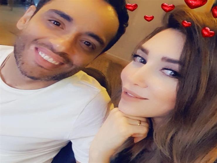 """زوجة رامي جمال تواصل دعمه: """"اتشرفت بأني جنبه.. والراجل زي الفل والقمر"""""""
