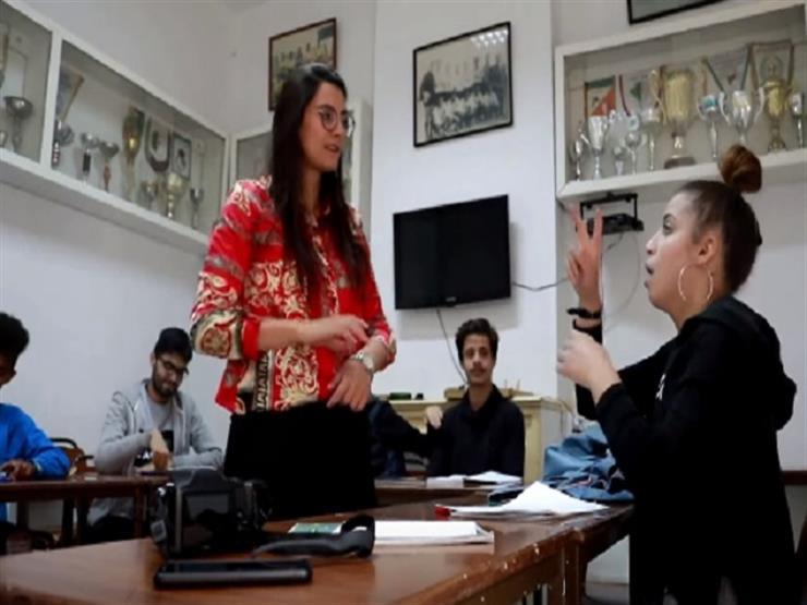 تونسية تبتكر تطبيقًا لتعليم الصم والبكم الإنجليزية - فيديو