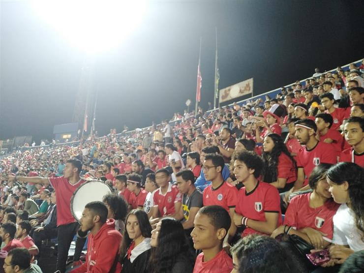 التعليم 10 آلاف طالب وطالبة يحضرون مباراة منتخب مصر الأولمب
