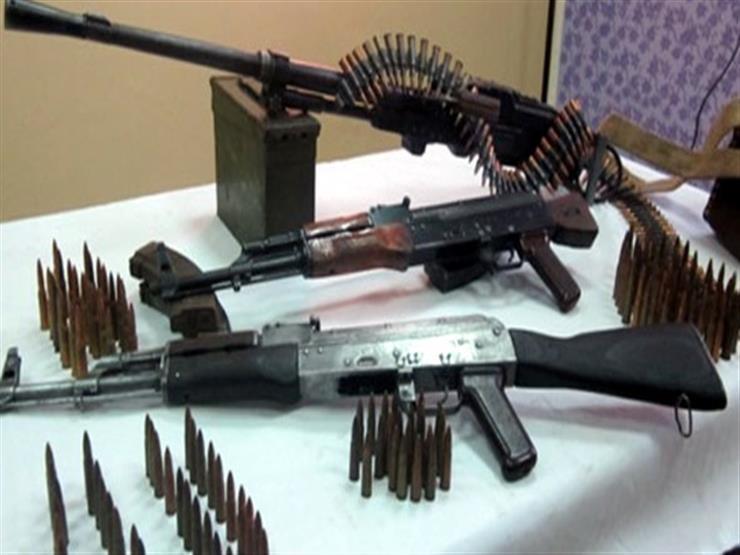 """ضبط """"رشاش جرينوف"""" و24 بندقية آلية في حملة أمنية بقنا"""