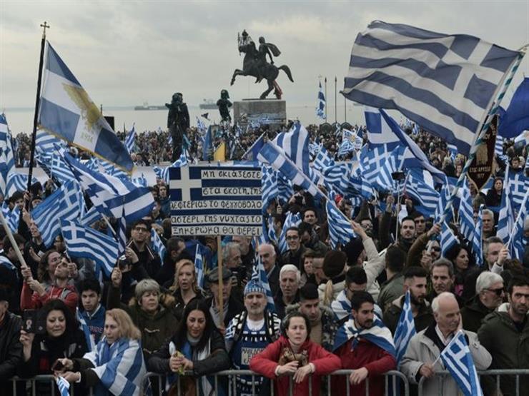 عشرات الآلاف يحيون الذكرى الـ46 للانتفاضة الطلابية في أثينا