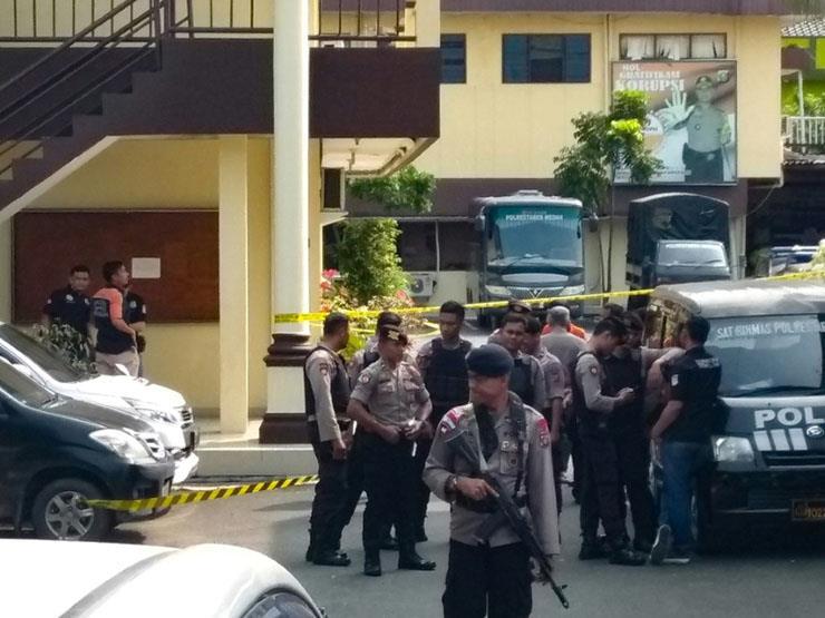 اندونيسيا تعتقل العشرات بعد تفجير انتحاري