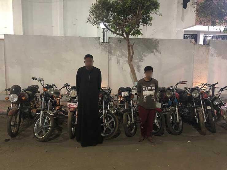 ضبط عصابة وراء سرقة 15 دراجة بخارية في سوهاج