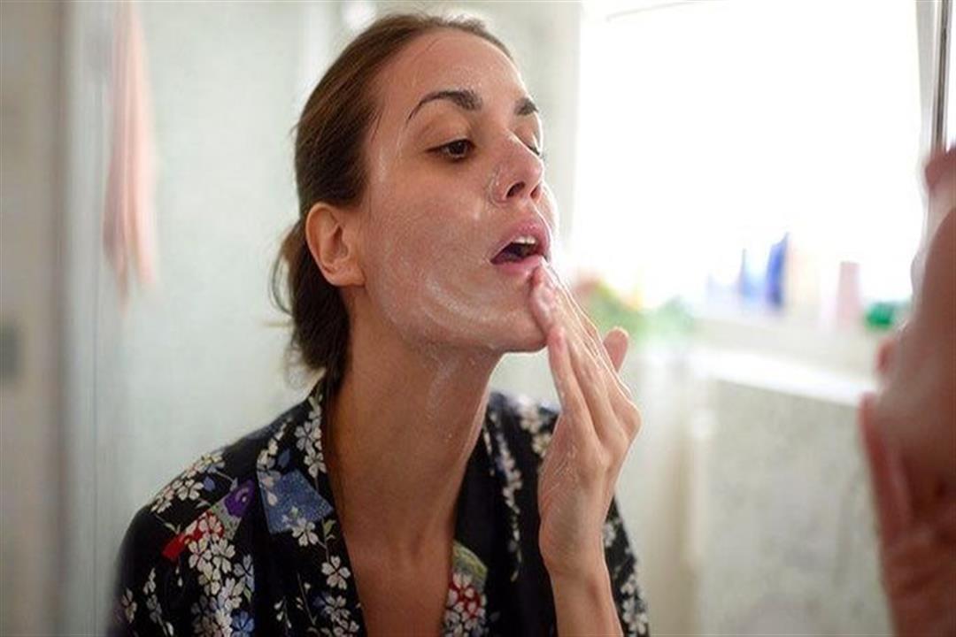لمنع تلف الخلايا.. 7 طرق آمنة لغسل الوجه