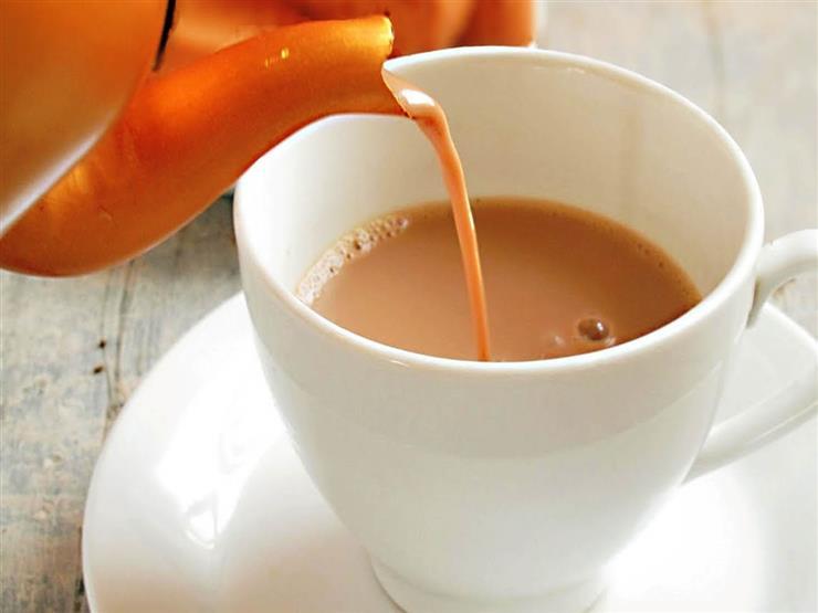 منها الحليب.. هذه المنتجات تضر عند خلطها مع الشاي