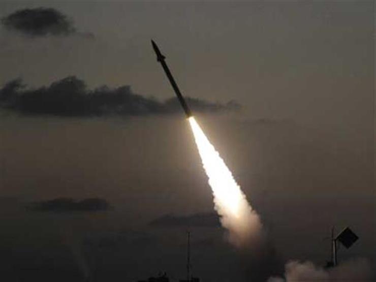 """صواريخ """"مجهولة"""" تستهدف قاعدة عسكرية في بغداد"""